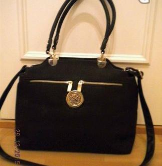 Elegant svart väska - Helt Ny!