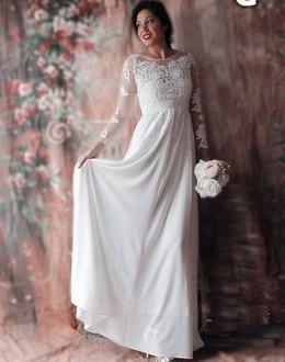 669e5da2cb16 Skräddarsydd Exklusiv Bröllopsklänning Brudklänning i Silkes Chiffong &  Spets